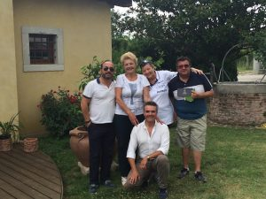 Un gruppo di amici- Davide Gangi, Hilde Petrussa, Liliana Savioli, Pasquale Pace, Andrea De Palma