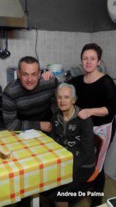 Mamma Angela con Lucrezia e Gianfranco Ventura