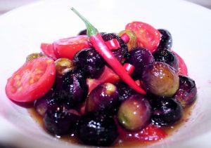 Olive Nolche con pomodorini