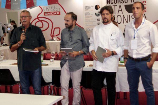 da sinistra - Michele Peragine giornalista, Gabriele de Cosmo poeta, Domenico Cilenti, Leonardo Lorusso responsabile Saicaf